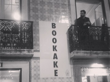 """BOOKAKE"" do Teatro Praga no Festival MANPOWER"